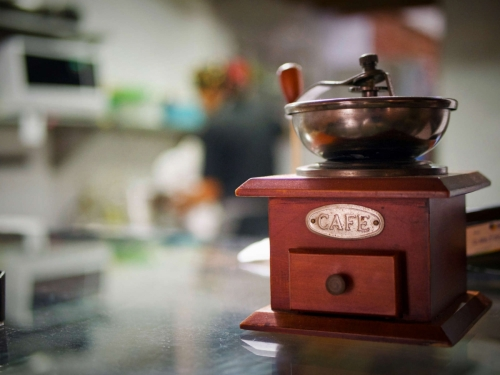 Corinne Cafe Coffee mill